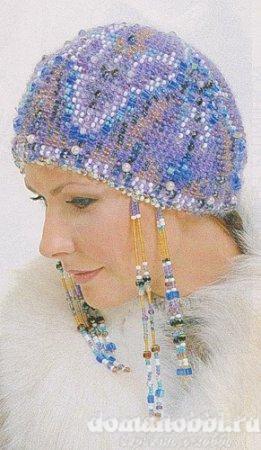 Вязаная бисерная  шапочка