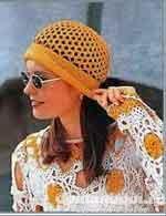Вязаная шляпа с загнутыми краями
