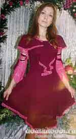 Вязаное бордовое платье