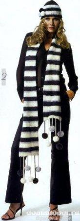 Вязаные шарф и шапка в полоску
