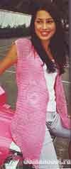 Вязаный розовый жилет