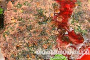 Баранина с ягодным соусом