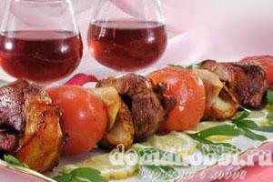 Баранина в маринаде с помидорами